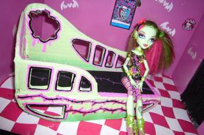 lit pour venus n 2 creation de meuble pour monster high. Black Bedroom Furniture Sets. Home Design Ideas