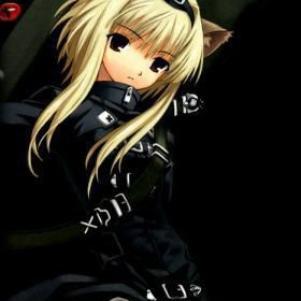 Блондинка с красными глазами аниме